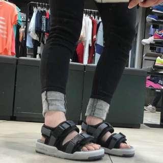 2016 new balance 韓國限定款涼鞋