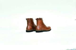 sepatu boots kulit, untuk wanita hitam dan coklat