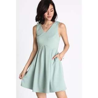 BNWT Love, Bonito Nadane Box Pleat Dress