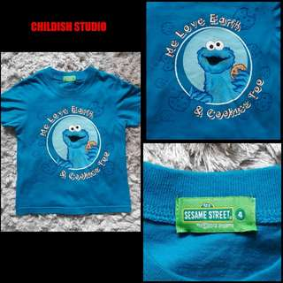 COOKIE MONSTER (Sesame Street - Me Love Earth & Cookies) t-shirt for kids.