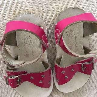Saltwater girls pink sandals size 6