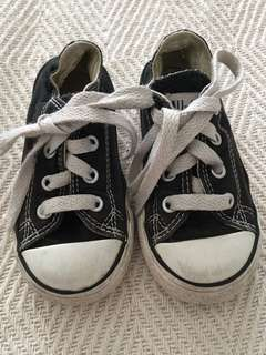 Converse US 6 all stars low cut sneakers