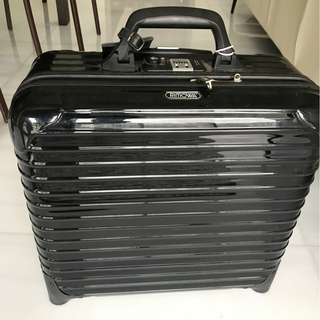 Rimowa Salsa Deluxe Business Trolley