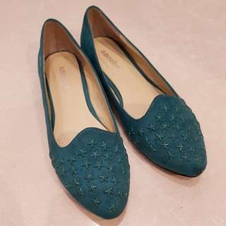 Rare Turquoise Green flat shoes