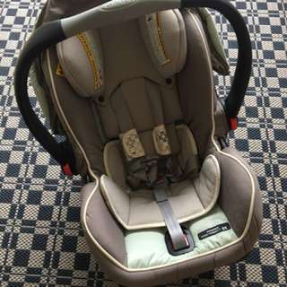 Graco Click Connect 35 with car seat base
