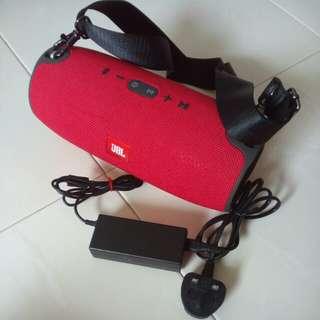 Original JBL extreme red