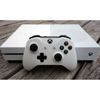 Xbox One S 1TB Dual Controller