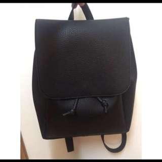 黑色皮背囊書包背包