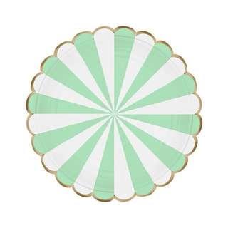Carousel Scallop Mint Green Paper Plates (10 pcs)