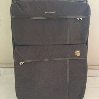 "Hush puppies 25"" luggage"