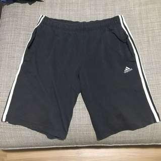 Adidas三線短褲