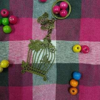 蝴蝶鳥籠愛情古銅復古文青鑰匙圈吊飾love bird butterfly old school retro古銅色客製禮物