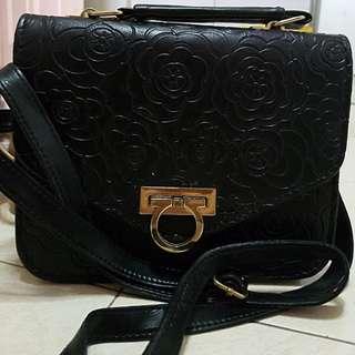 Black vintage flower prints sling bag