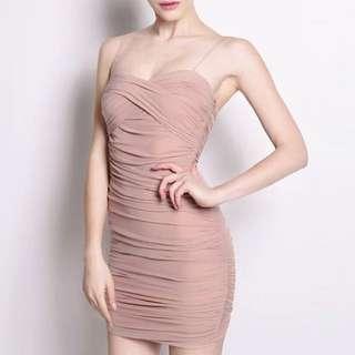 春夏新款性感收腰露肩吊帶低胸包臀連衣裙 兩色