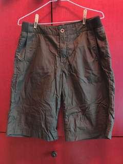 韓國軍綠色內絨短褲