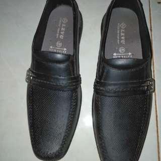 Preloved sepatu pantofel pria