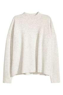 Basic Pullover in Grey