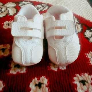 Preloved sepatu bayi merk benoa