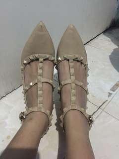 Sepatu valentino premium