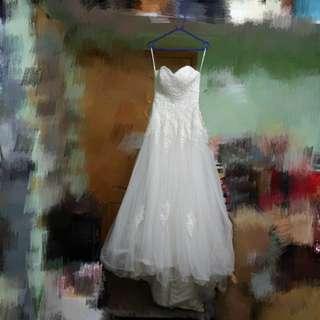 心型胸拖尾露肩綁帶婚紗