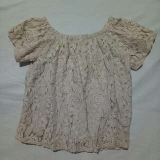 Vintage Lace off shoulders
