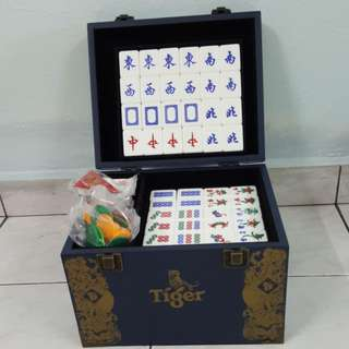 Used Mahjong Set (Tiger)