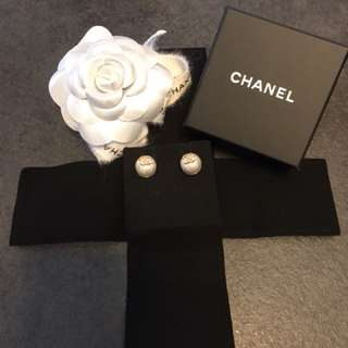 CHANEL 全新耳環