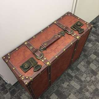 Brown leather suitcase decoration only 咖啡色 行李箱 道具