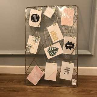 Gold Wire Frame Board (photo frame)