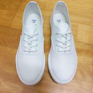 綁帶小白鞋 綁帶荔枝紋布鞋