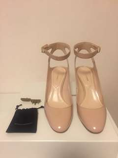 Nicholas Kirkwood pumps with pearl