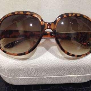 Kacamata Mango