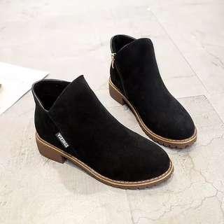 ♥️特價包郵♥️新款馬丁靴復古短靴圓頭粗跟厚底磨砂單靴潮