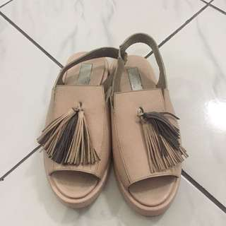 PROUDLY SANDALS PRELOVED