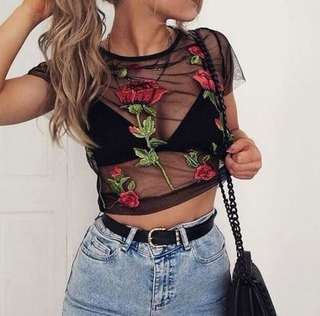 LOOKING FOR FLORAL MESH TOP