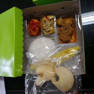 Catring snack dan nasi kotak