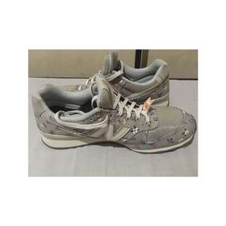 New Balance gray rubber shoes