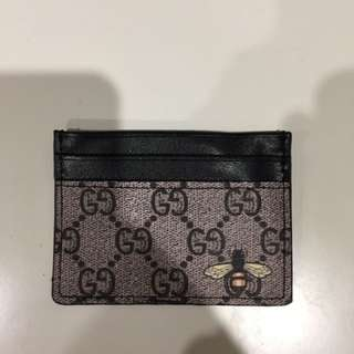 Gucci card holder bee