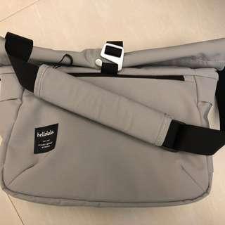Hellolulu Morley Light Gray DSLR Camera Bag