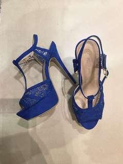 彩藍色Lace花露趾高跟涼鞋