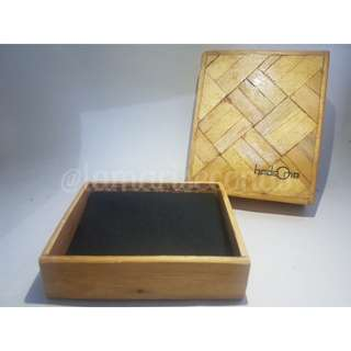 GENUINE LEATHER WALLET HADE ONE LOCAL BRAND