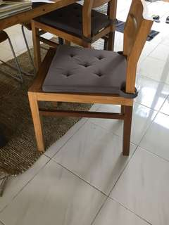 Aedeko jati chair (available 2 pcs)