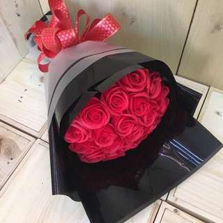 18 Red Soap Roses