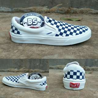 Vans slipon checkerboard navy white