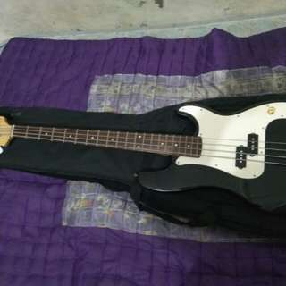 Squier by Fender Precision Bass Affinity