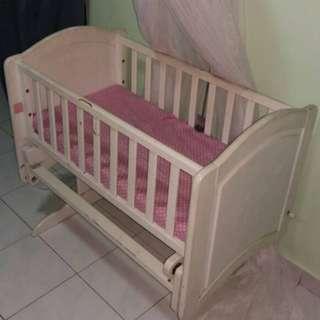 Swing baby cot/katil baby berendoi