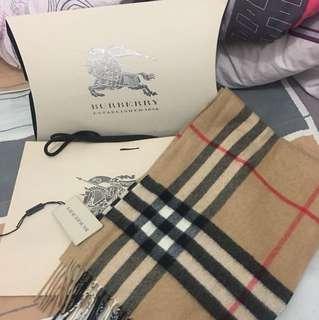Burberry齊包裝齊吊牌  cashmere 頸巾