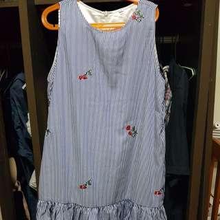 Brand new flower dress (Small)