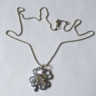*Ready Stock* Clover Necklace with Crystals