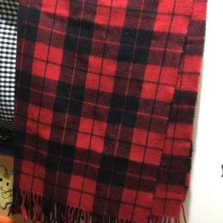 黑紅格子頸巾